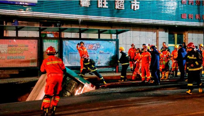 "(ВИДЕО) Улица ""проголта"" автобус – има загинати"