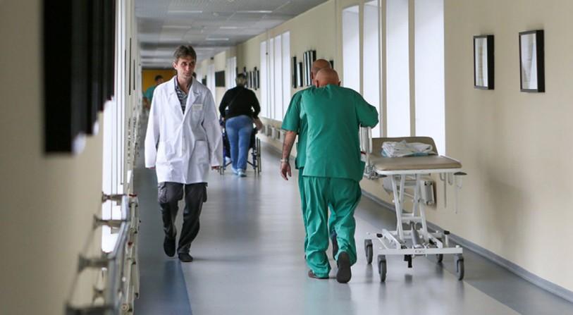 Осум Кинези задржани во болница во Москва со симптоми на вирусна инфекција
