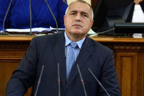 Борисов до министрите: Ви забранувам да се мешате во конфликтите меѓу другите  институции