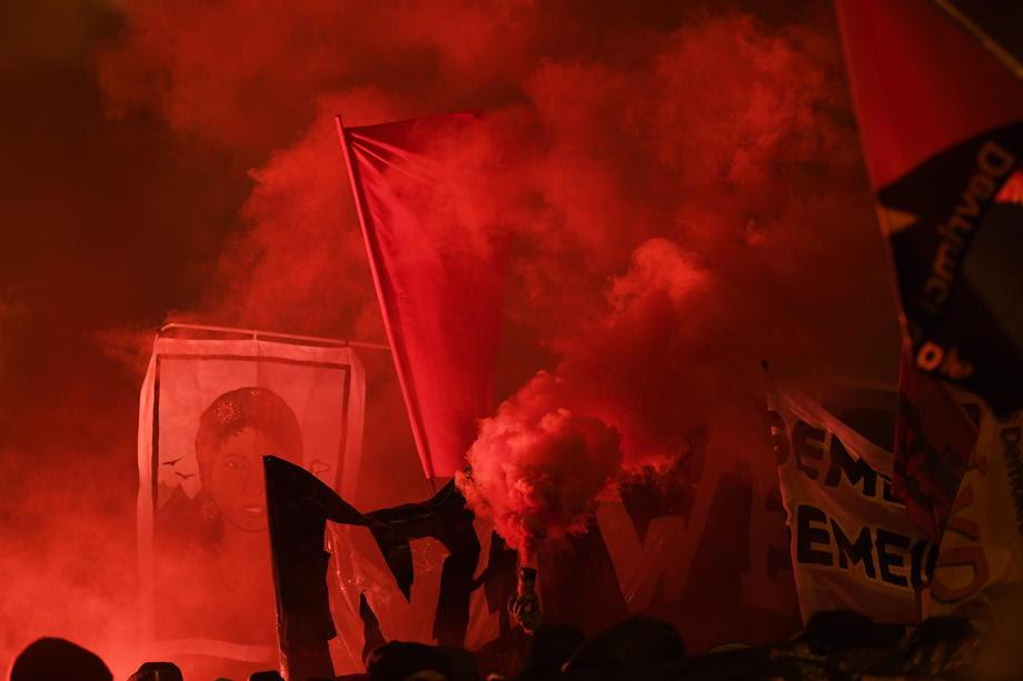 Уапсени три лица во насилните протести против форумот во Давос