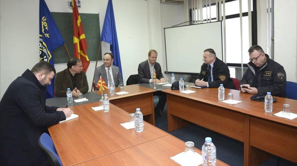Министерот Чулев во посета на ПС Кавадарци и РЦ Југ
