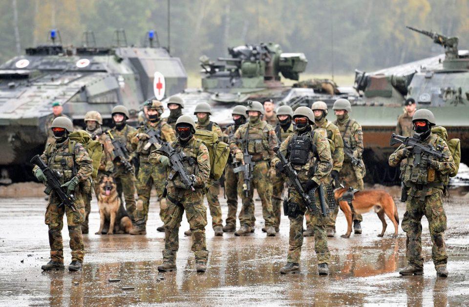 Се зголемува бројот на екстремни десничари во редовите на германската армија