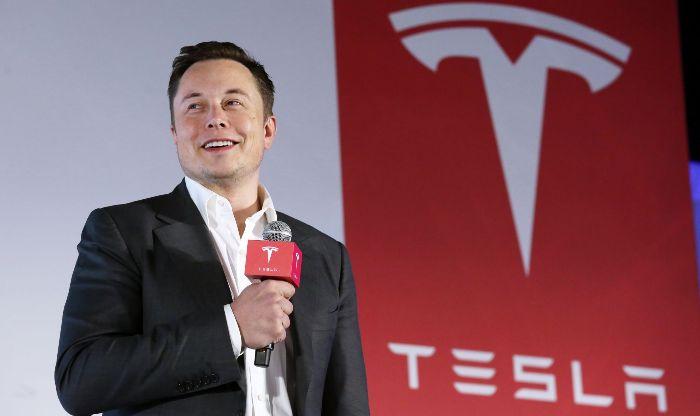 """""""Тесла"""" во 2020 година продала речиси пола милион возила"""