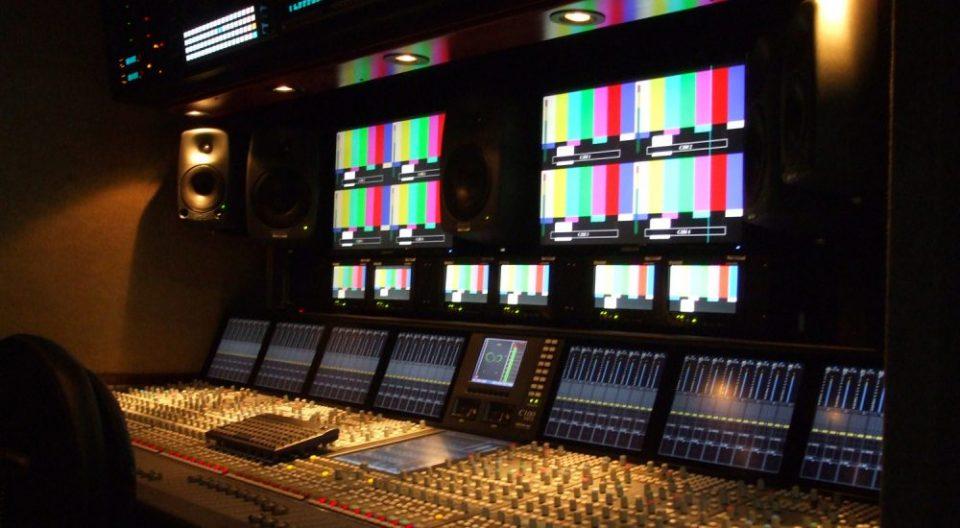 Националните телевизии почнаа бојкот за Владата и министрите