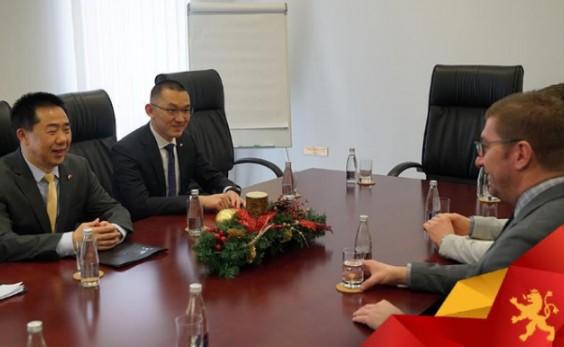 Средба на Мицкоски со кинескиот амбасадор-Продлабочување на економската соработка