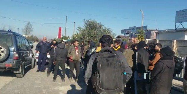 (ВИДЕО) Група од 38 мигранти од Иран и од Ирак откриена во Албанија