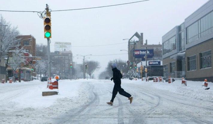 Четири жртви во снежно невреме во САД