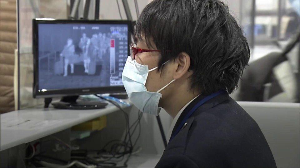 Потврдено: Мистериозниот кинески вирус се пренесува од лице на лице