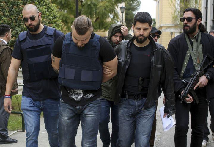Во Бугарија уапсени група измамници кои присвојувале недвижен имот од починати лица