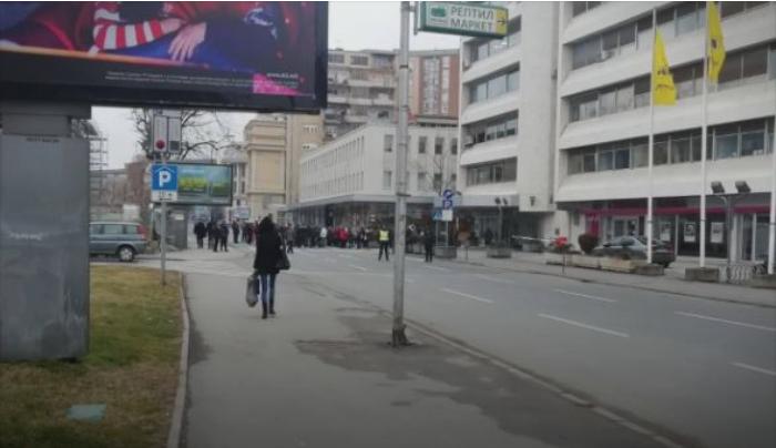 Центарот на градот повторно е блокиран поради протести на пазарџиите