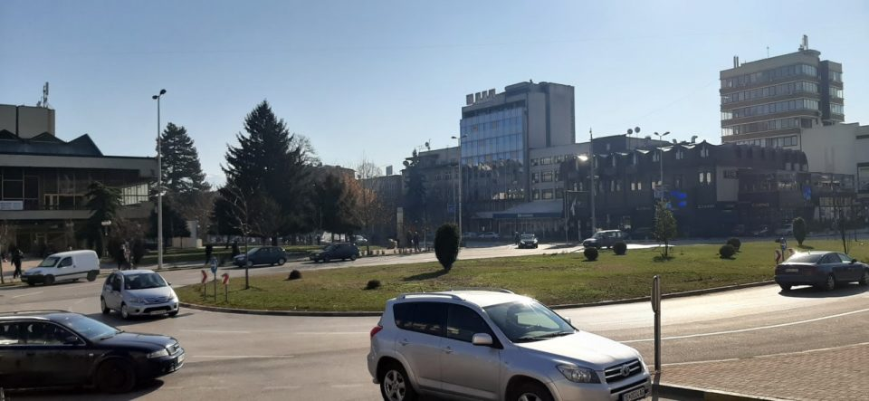 Тетовските полицајци во контрола на возила со затемнети стакла