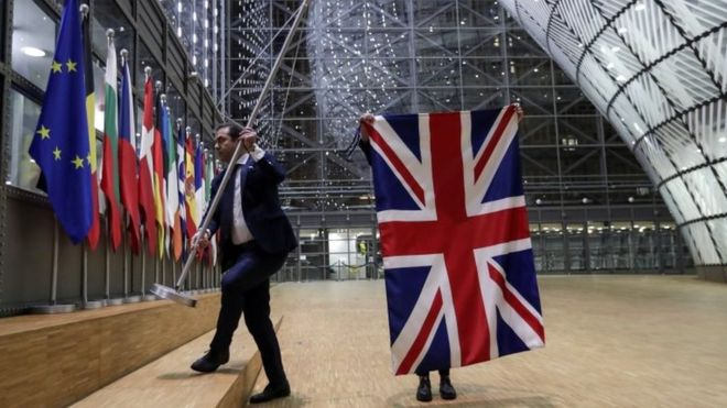 Велика Британија соочена со политичка криза, по најавата за независност на Шкотска