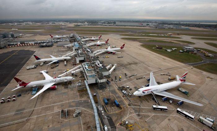 """Технички проблеми на лондонскиот аеродром """"Хитроу"""": Откажани десетици летови"""