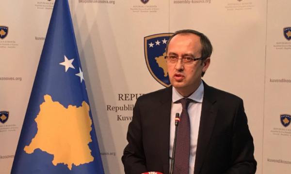 (ВИДЕО) Косовскиот вицепремиер Хоти нападнат со јајца