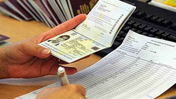 Владата го задолжи Чулев да го реши проблемот со пасошите