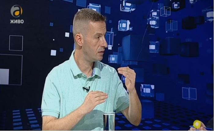 Божиновски: Смешно е СДСМ да пpoтecтира сам пpoтив себе