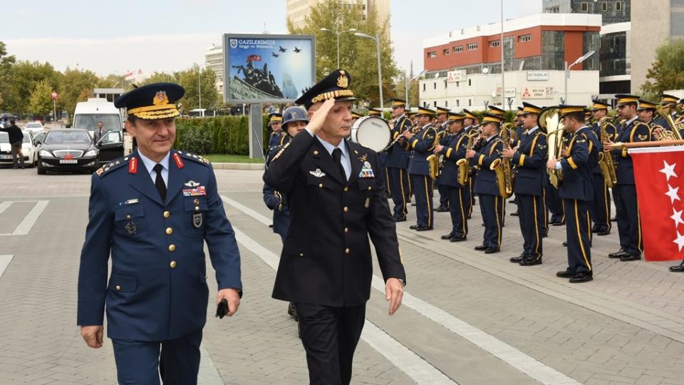 Италијанска воена делегација во посета на Македонија