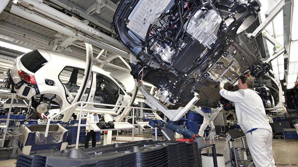 """""""Фолксваген"""" повторно ја одложува одлуката за отворање фабрика во Турција"""