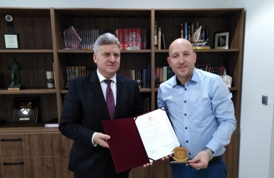 Почесната награда за поранешниот претседател Иванов