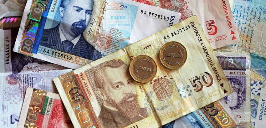Поради гласини за менување на курсот Бугарите размениле во евра 1,2 милијарди левови