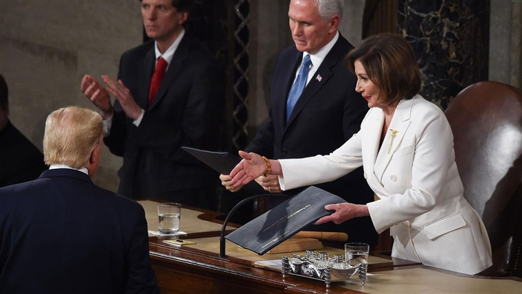 Ненси Пелоси останува спикер на претставничкиот дом на САД