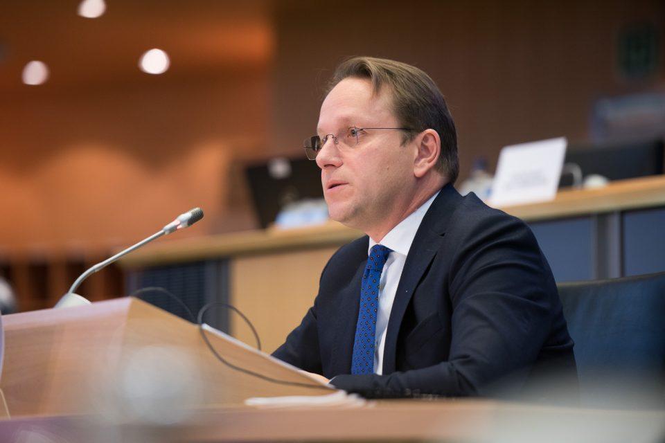 Вархеј: Пандемијата со Ковид-19 не го отфрли планот за проширување на ЕУ