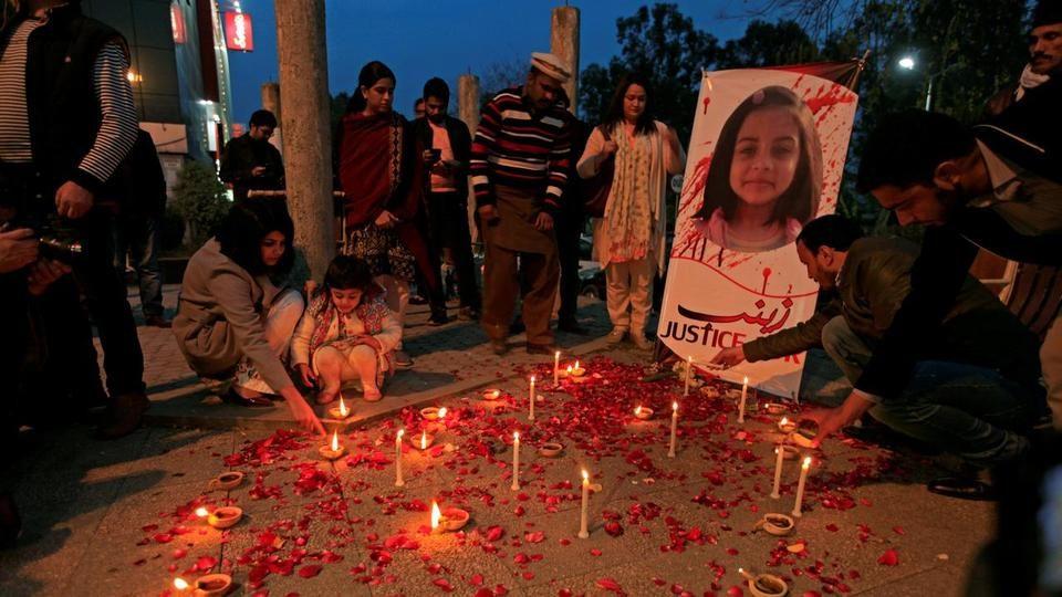 Пакистан воведе јавно бесење за силувачите и убијците на деца
