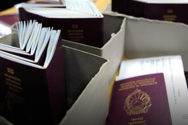 Чулев најавува дека за седум до 10 дена ќе пристигне пратка со патни исправи