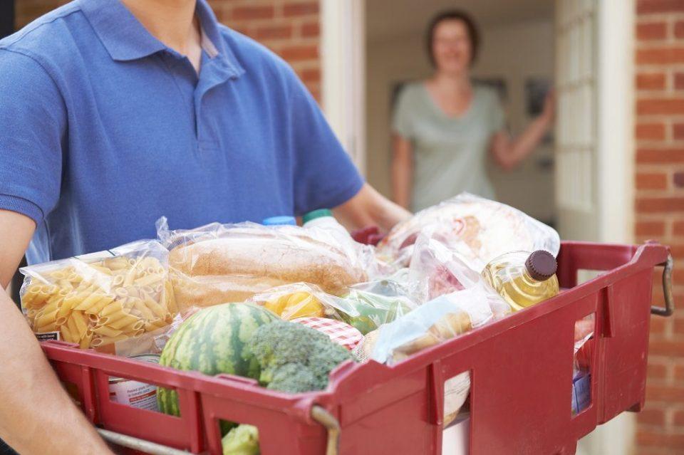 ОН предупредува: Се заканува недостаток на храна ако владите го ограничат протокот