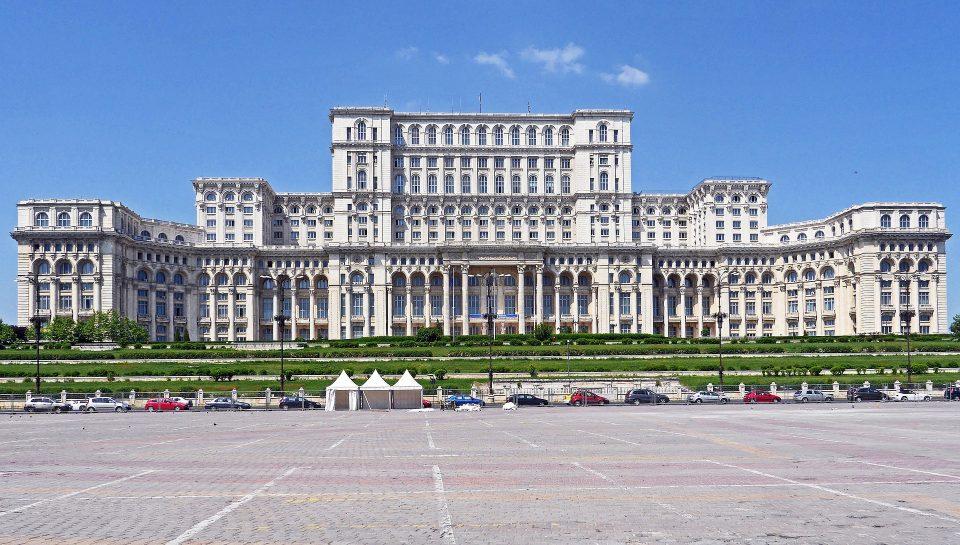 Пратениците денеска ја соборија владата на премиерот Орбан