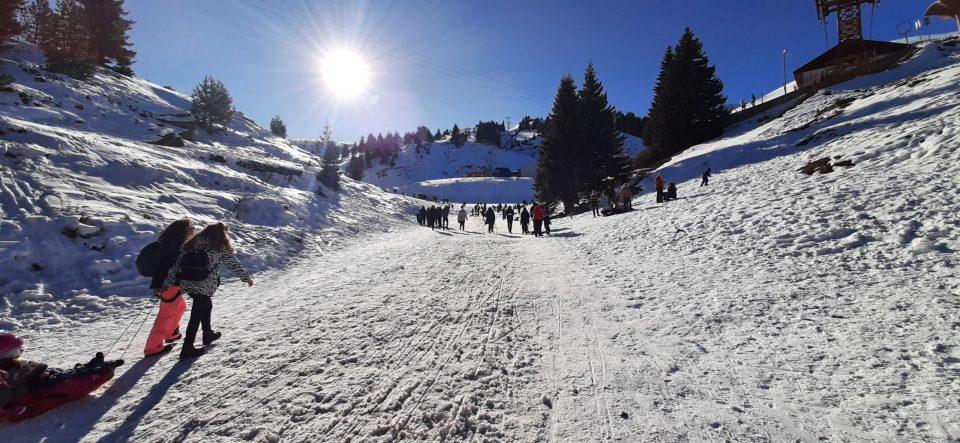 Утрово најстудено во Битола -5, на Попова Шапка седум сантиметри снежна покривка