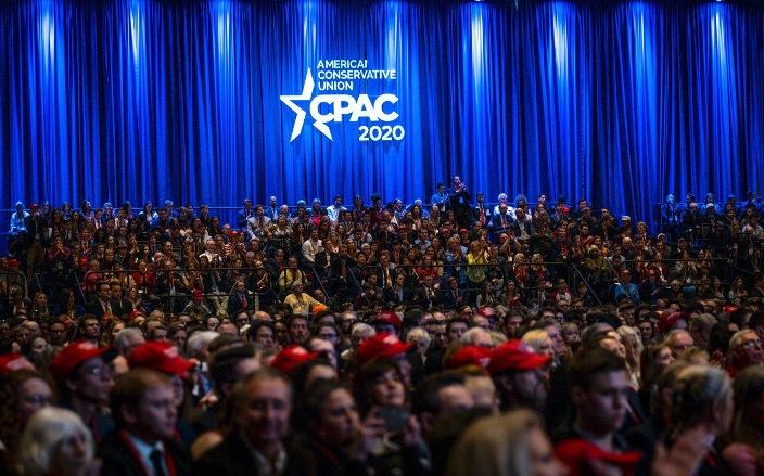 """Трамп и републиканците влегуваат во изборната трка со мотото """"Америка против социјализмот"""""""