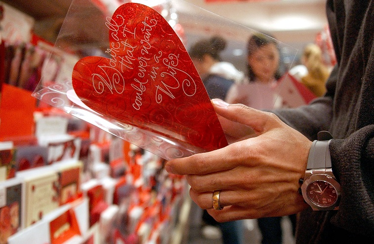 Американците за Денот на вљубените ќе потрошат 27 милијарди долари