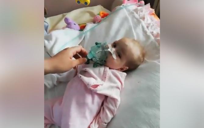 (ВИДЕО) Родители на шестмесечно бебе кое се бори за живот со апел до Филипче да се најде соодветна нега