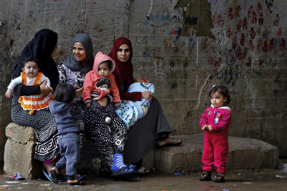 Германија ќе прими 1.500 малолетни бегалци – главно девојчиња од грчките острови