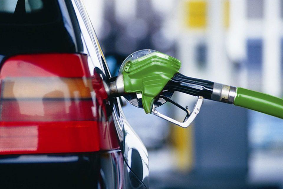 Од полноќ бензините и дизелот поевтини за половина денар