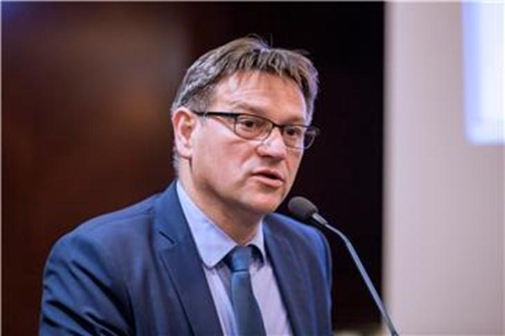 Во Хрватска регистриран првиот политичар позитивен на Ковид-19