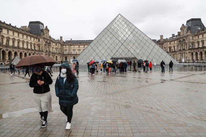 Поради мерките за ограничување француската економија ќе загуби 120 милијарди евра