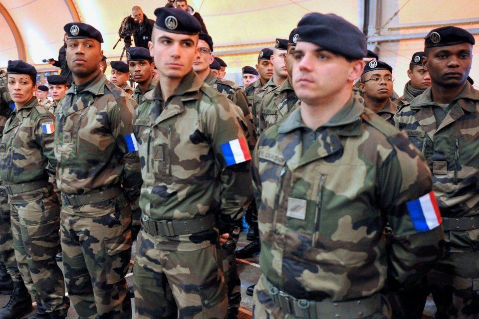 Франција ги повлекува војниците од Ирак поради коронавирусот