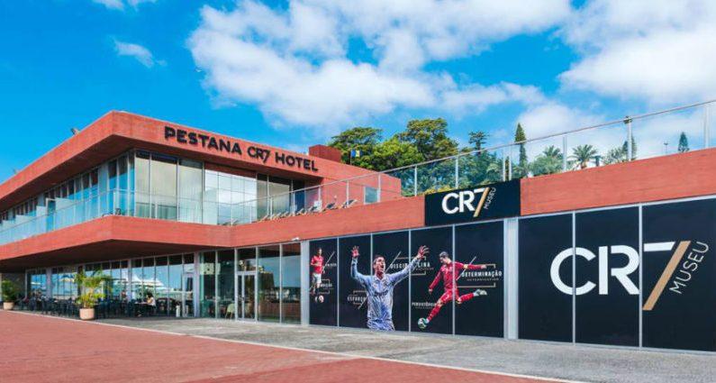 Кристијано Роналдо се вклучува во борбата со корона вирусот: Своите хотели ги пренаменува во болници