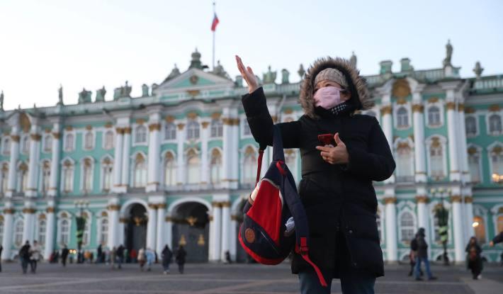 Руската академија на науките: Епидемијата е непредвидлива, нема да има вакцина уште долго време