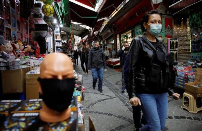 Ердоган ја послуша турската јавност – нема полициски час за време на викендот