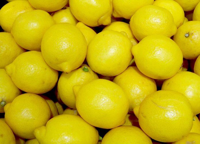 Ги чувале лимоните, за да ги продадат по повисока цена