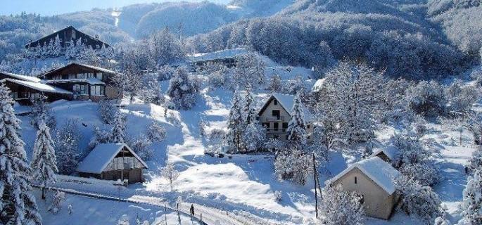 Најмногу снег во Ѓуриште, најстудено во Маврови Анови