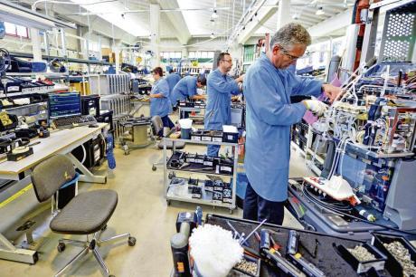 Последица од кризата: Драстичен пад на бројот на работници во индустријата