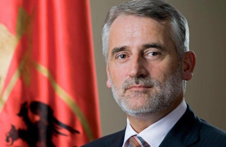 Мендух Тачи: ВМРО-ДПМНЕ на анкетите води пред СДСМ – Заев затоа собира албански партии