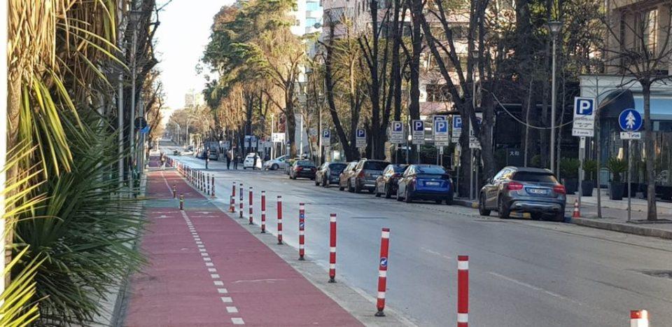 Албанските градови празни