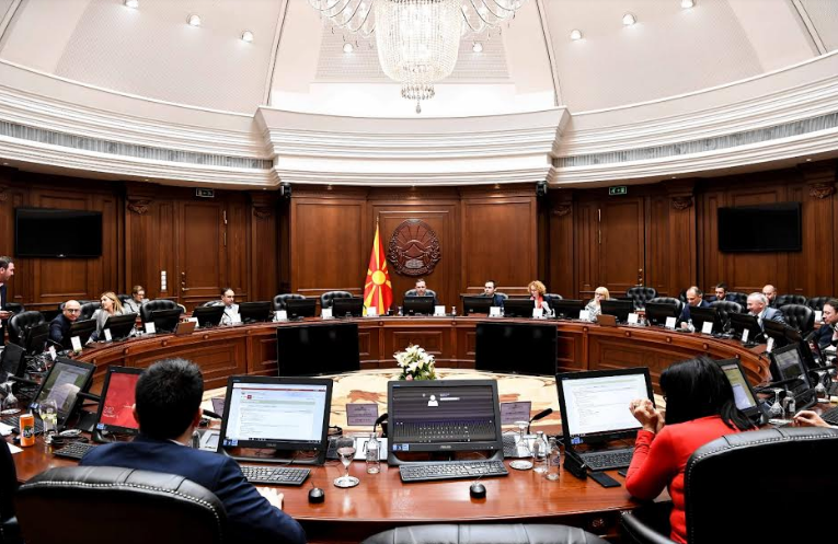 Владата на седница во 15 часот ќе разгледува мерки за справување со коронавирусот