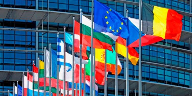 Европа пред сериозна должничка криза: Просторот за намалување на трошоците е многу мал