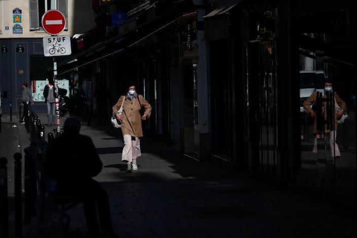 Сопственик на ресторан во Париз на суд доби надомест за загуба од неработење поради пандемијата